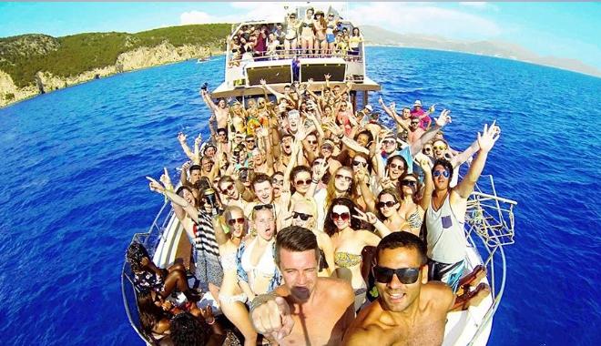 Kavos Boat Party 2 slider